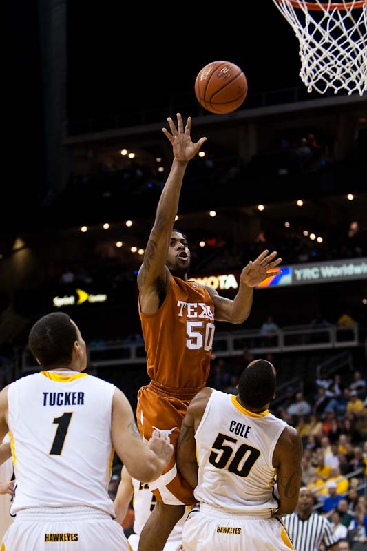 20091123_NCAA_Basketball_Iowa_Texas_Varez_Ward