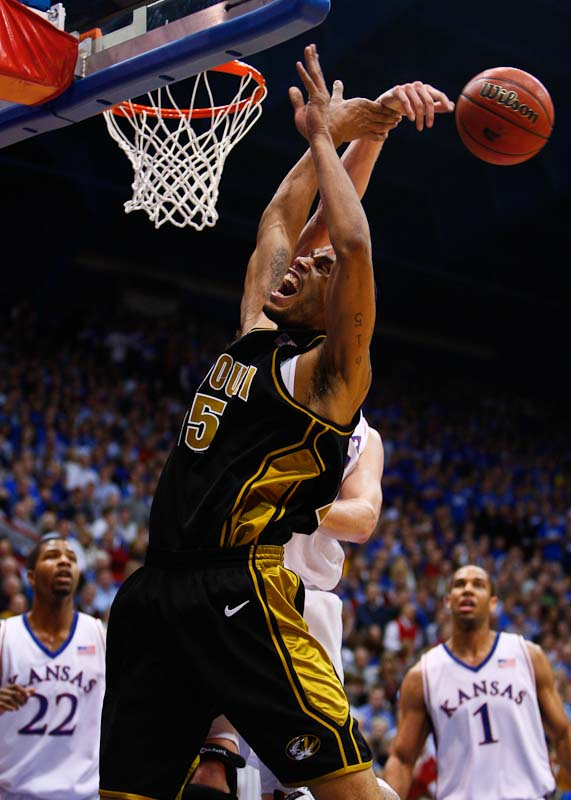 20100125_NCAA_Basketball_Missouri_Kansas_Keith_Ramsey